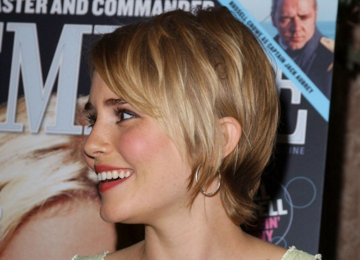 Alison Lohman - Short haircut with chunky layers