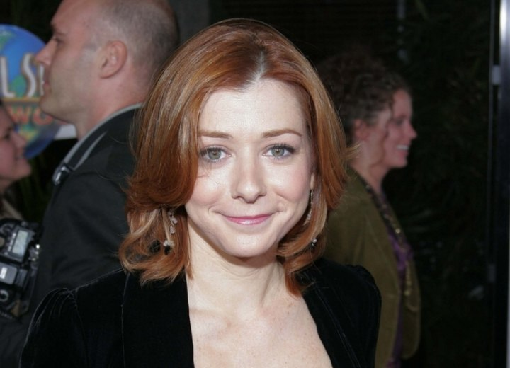 Alyson Hannigan - Medium length haircut that covers the neck