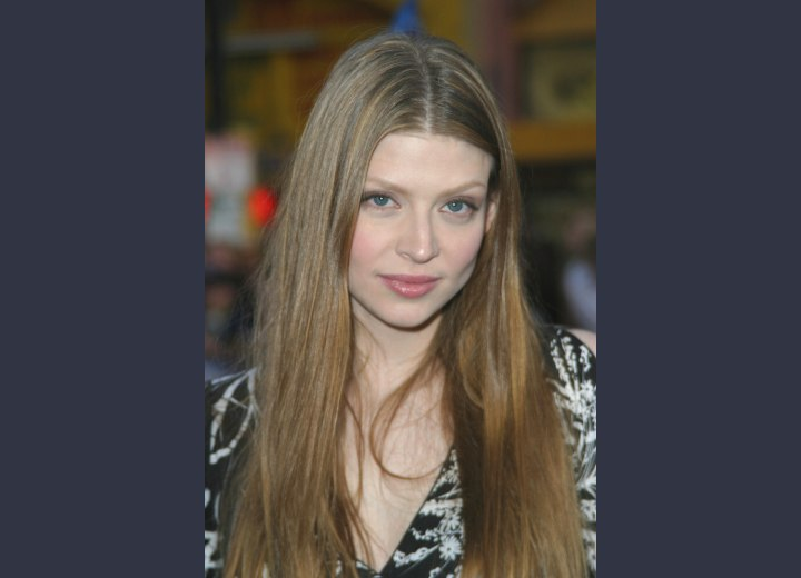 Amber Benson - Long hairstyle with a middle part
