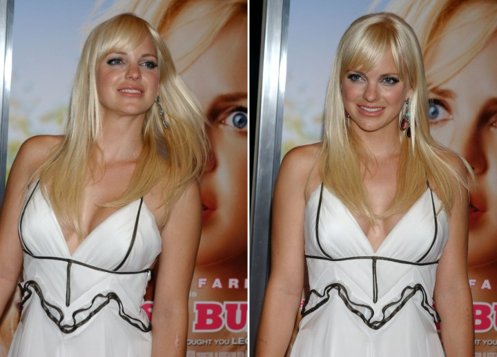 Anna Faris - Straight long hairstyle with a lot of movement