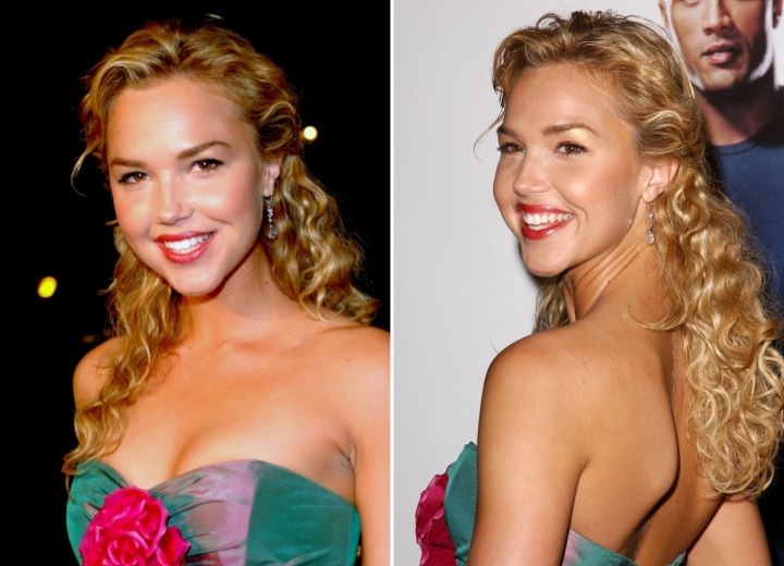 Arielle Kebbel wearing long hair with spiral curls