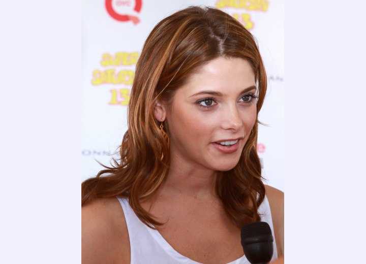 Ashley Greene's youthful style for long hair