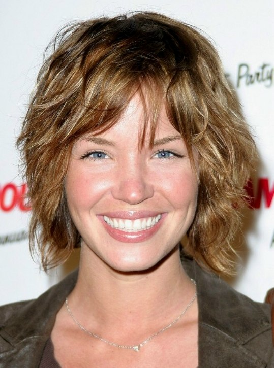 Pictures Of Hair Styles: Radiant Look With A Chin-length Shag Haircut