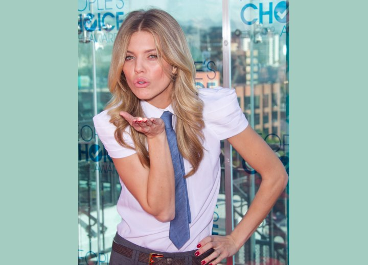 AnnaLynne McCord blowing kisses