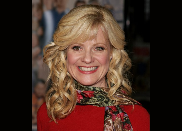 Bonnie Hunt - Long hairstyle with loose spiral curls