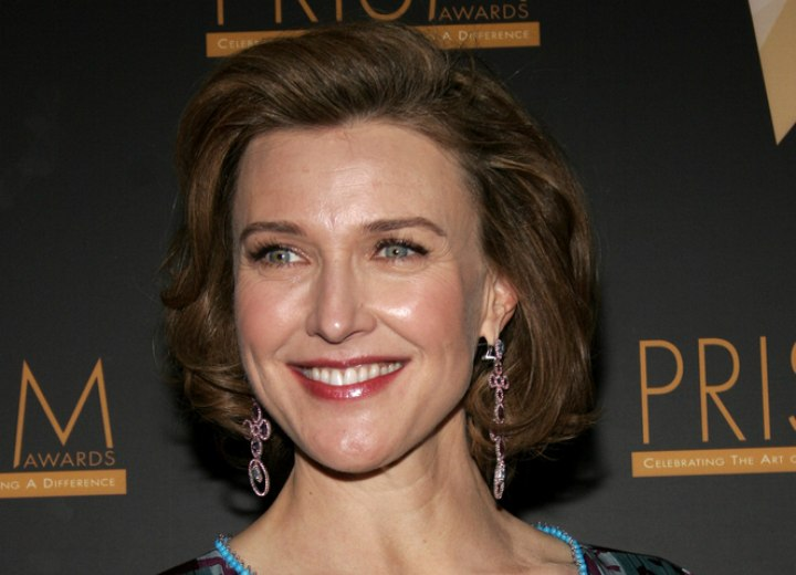 Brenda Strong - formal short hair with volume