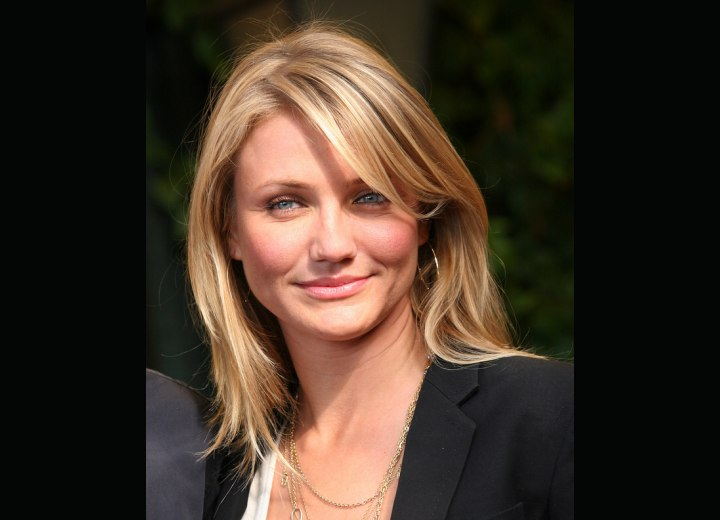 Cameron Diaz sporting a simple long haircut