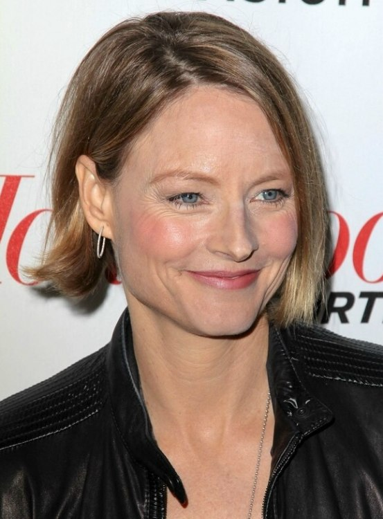 Jodie Foster S Classy Short Chin Length Bob With Ends That