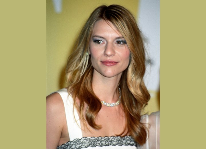 Claire Danes - Long hairstyle for summer