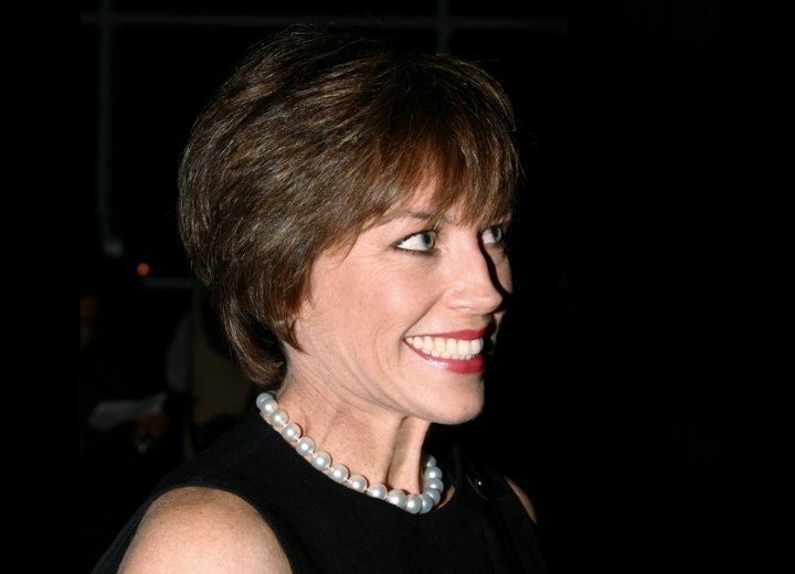 Dorothy Hamill - Comfortable wash and go hairstyle