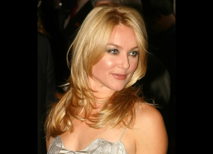 Elisabeth Rohm - Simple long evening hairstyle