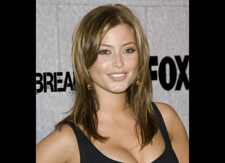 Holly Valance with shimmering long hair