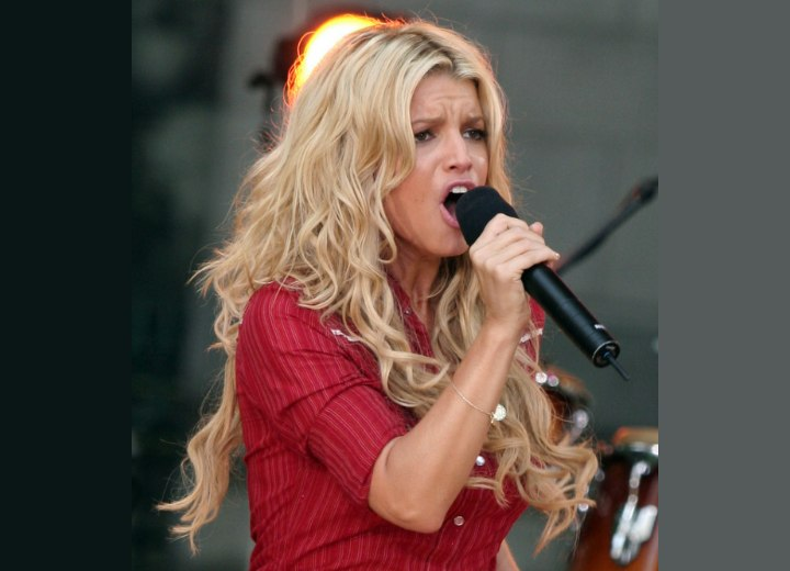 Jessica Simpson - Long below the shoulders hairstyle