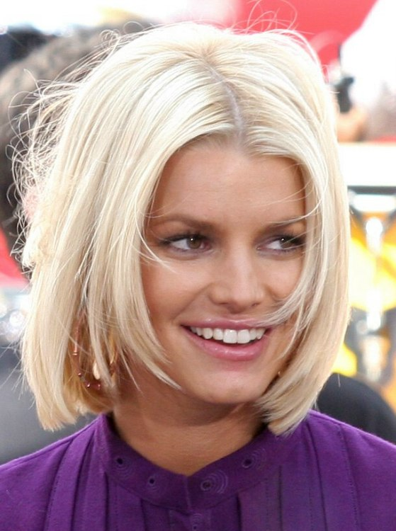 Jessica Simpson With Her Hair Chopped Short In A Bob
