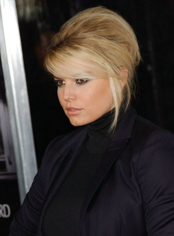 Jessica Simpson With Her Hair Up In A French Twist And