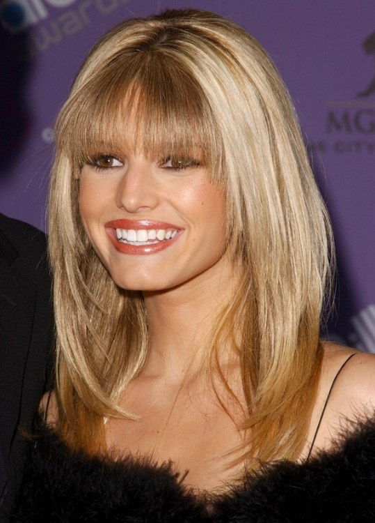 Jessica Simpson Sleek And Long Tapered Hairstyle