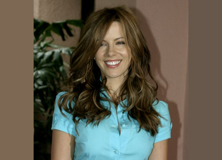 Kate Beckinsale's dazzling long hairstyle
