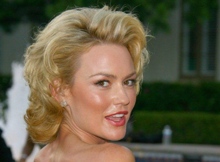 Kelly Carlson with her hair styled for a Marylin Monroe