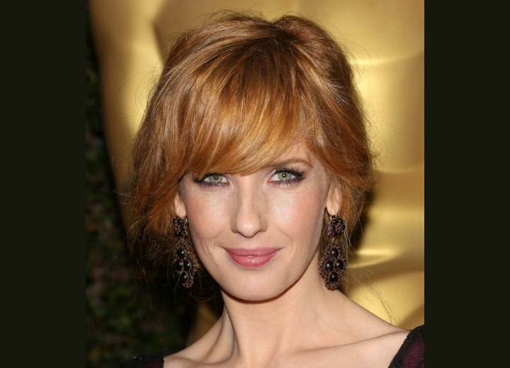 Kelly Reilly's short hair look