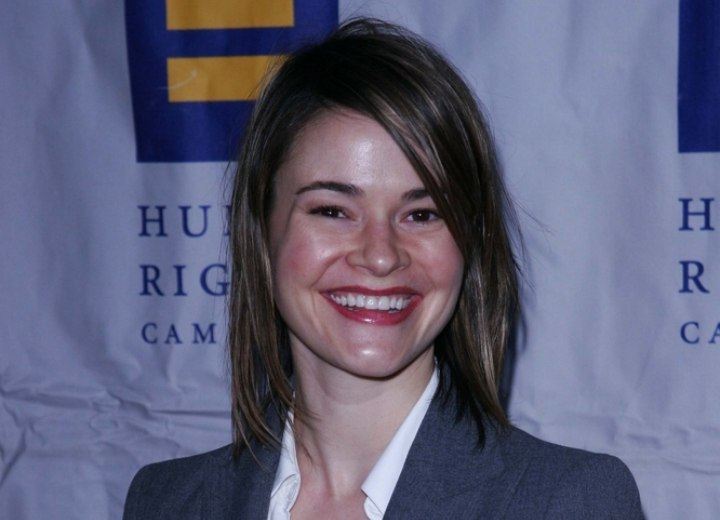 Leisha Hailey with long hair