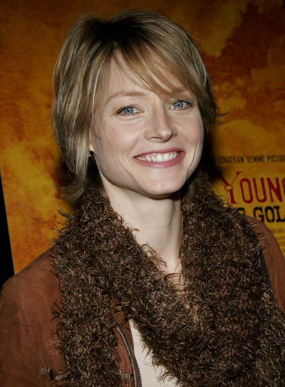 Jodie Foster Wearing Her Hair In A Mid Length Style With