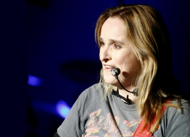 Melissa Etheridge with long hair