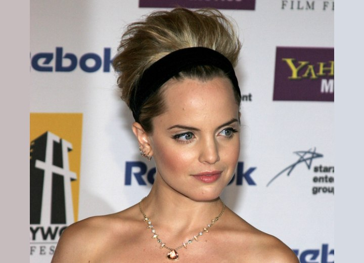 Updo with a head band - Mena Suvari