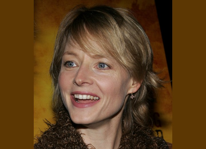 Jodie Foster - Neck length hairstyle with layers
