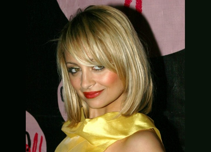 Nicole Richie with her hair in a medium length blunt bob