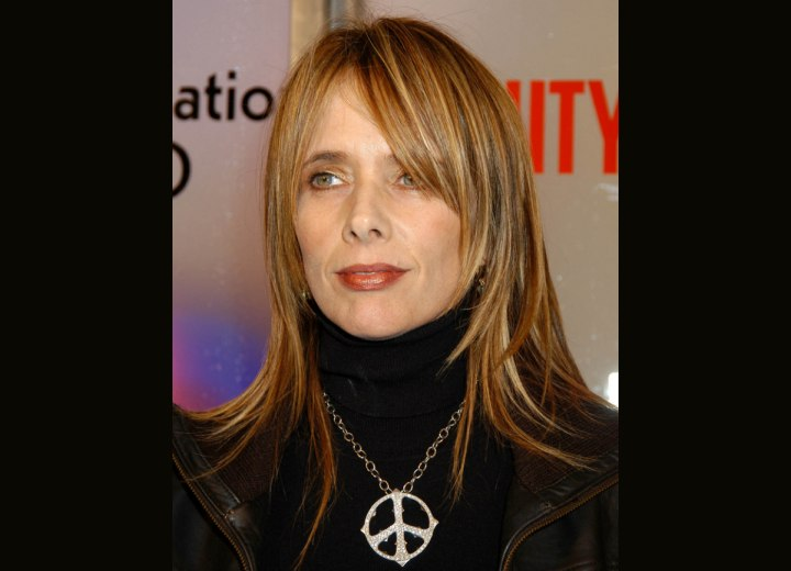 Rosanna Arquette's long tapered hairstyle and turtleneck
