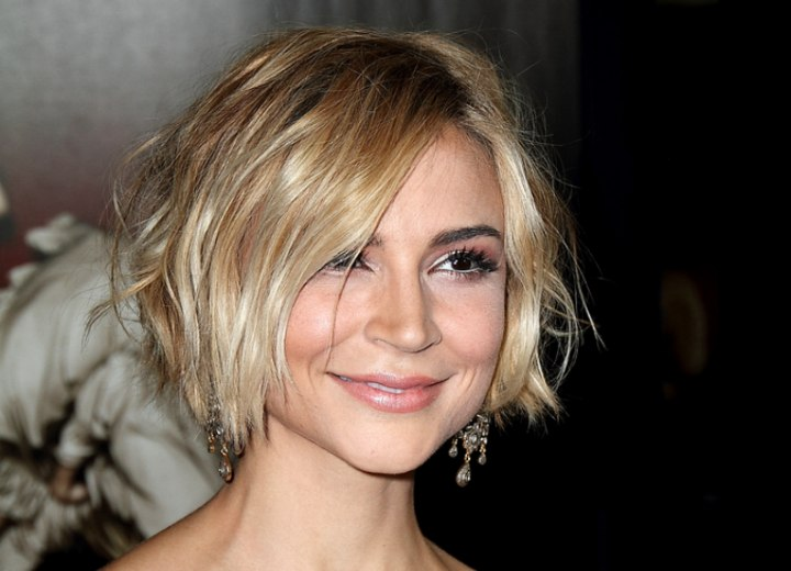 Samaire Armstrong - Short choppy hairstyle