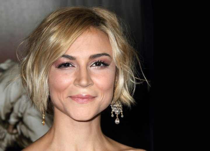 Samaire Armstrong - Short hairstyle with a tousled effect