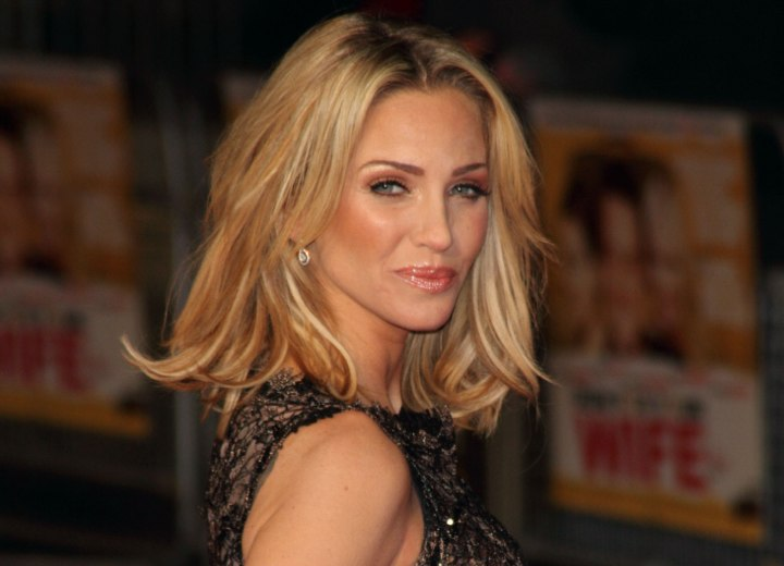 Sarah Harding - Semi long center parted hairstyle