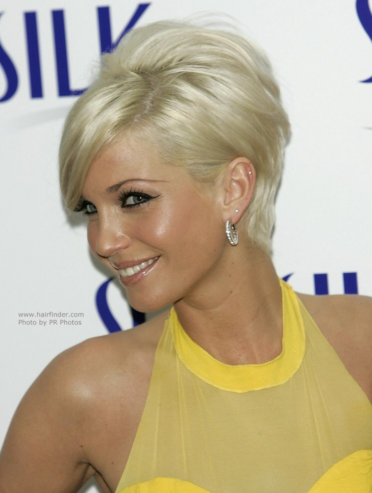 Sarah Harding went from long hair just recently (04/12/2007) to short hair