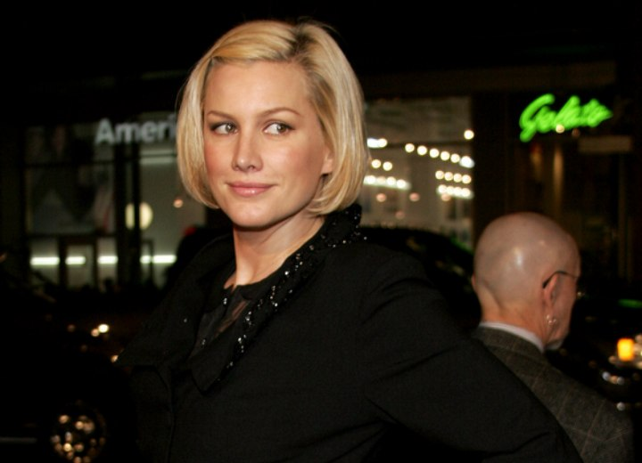 Alice Evans wearing her hair in a short bob