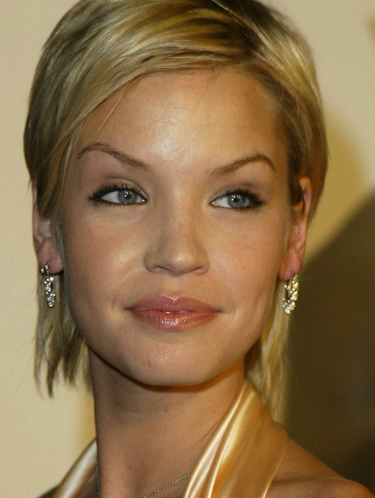 Ashley Scott Neck Length Short Hair Colored To Bring Out The Blue