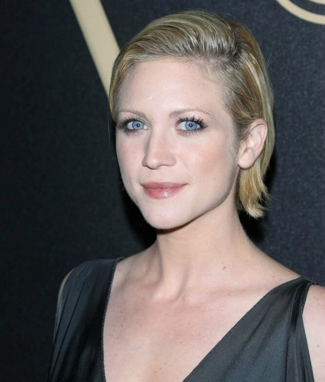Brittany Snow With Short Hair Short Wet Look Hairstyle