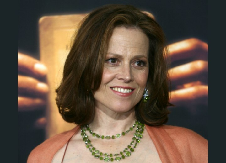 Sigourney Weaver wearing her hair with layers