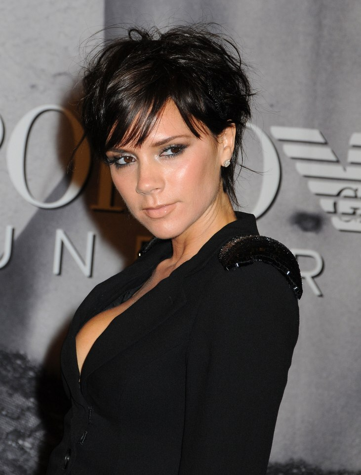 Victoria Beckham S New Pixie With Ends Upon The Nape And