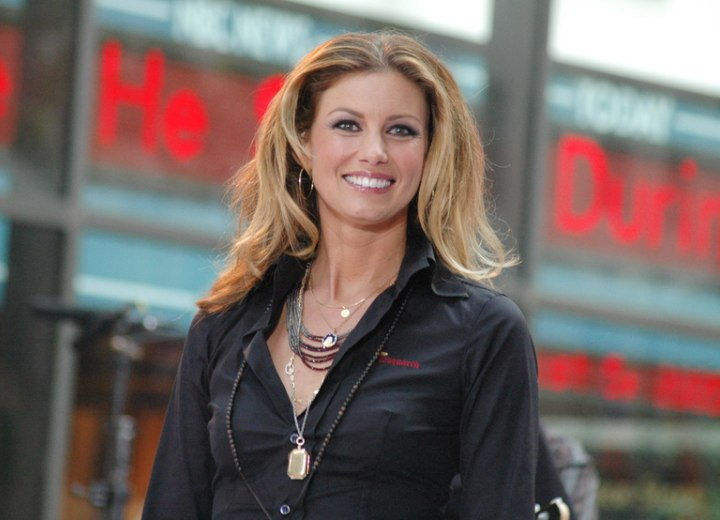 Very long hairstyle for women aged almost 40 - Faith Hill
