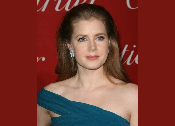 Amy Adams - Long hairstyle that keeps the hair out of the face