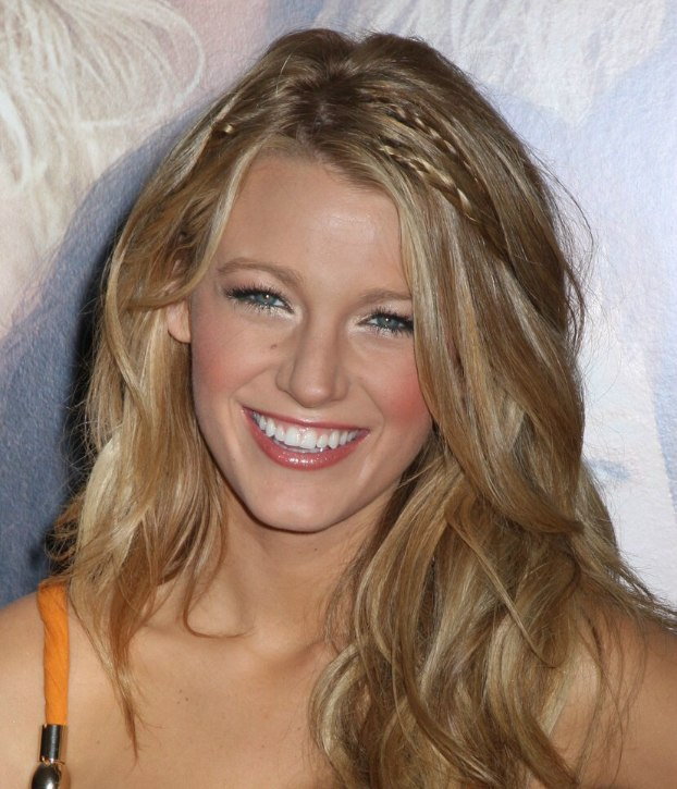 Blake Lively Beachy Look For Long Blonde Hair With Braided Strands