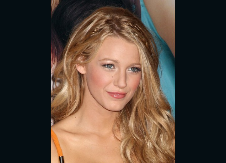 Blake Lively - Long blonde hair with soft highlights