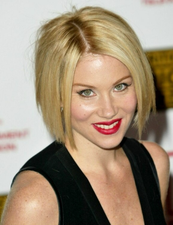 Christina Applegate S Hair In A Classic Bob At Chin Length