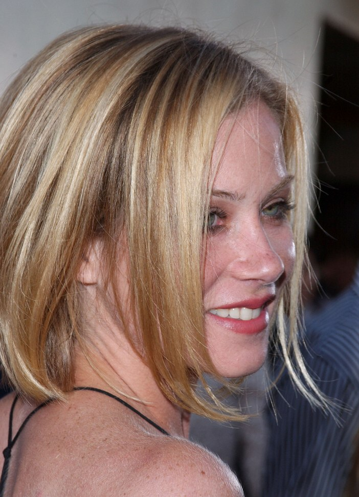 Christina Applegate One Length Bob With The Ends Styled