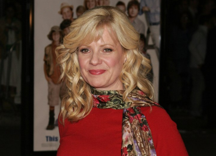 Bonnie Hunt - Long hair with spiral curls