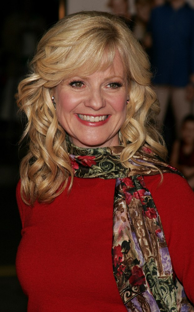 Bonnie Hunt Loose Spiral Curls And Hair Flowing Back