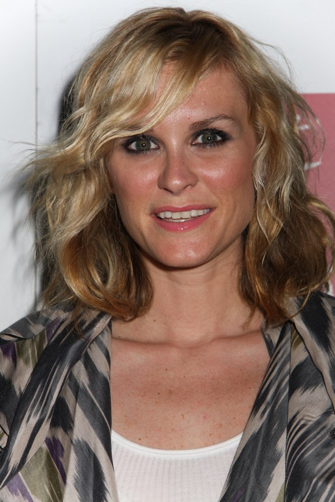 Bonnie Somerville Shorter Shoulder Length Hair With Pouf