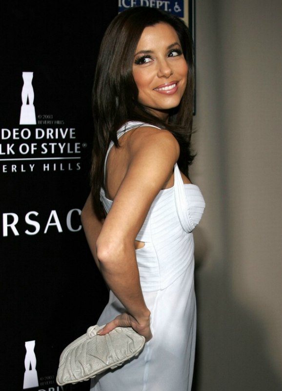 Eva Longoria S Long Hair With A Widows Peak Giving Her