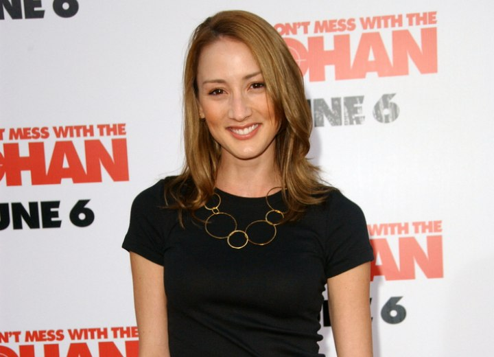 Bree Turner's stylish casual look with jeans and t-shirt